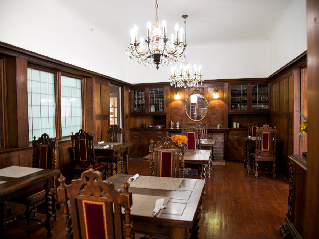 Cedar Gables Inn Meeting place