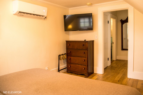 Dresser and Tv in Kathleens Chamber
