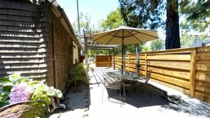 Cedar Gables Inn Courtyard - Cedar Gables Inn Courtyard