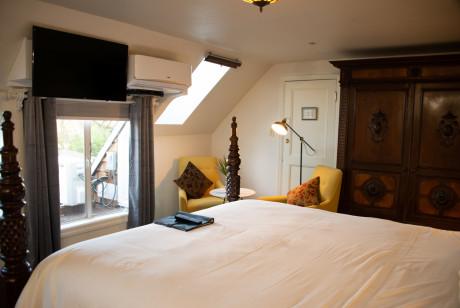 Cedar Gables Inn The Gables Suite - Bedroom View