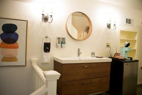 Cedar Gables Inn The Gables Suite - Vanity and Sink