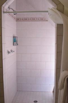 Cedar Gables Inn The Gables Suite - Walk In Shower