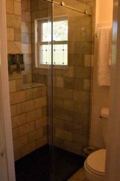 Cedar Gables Inn Standard Loft - Walk In Shower